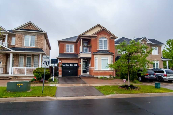 227 Alfred Paterson Dr, Markham