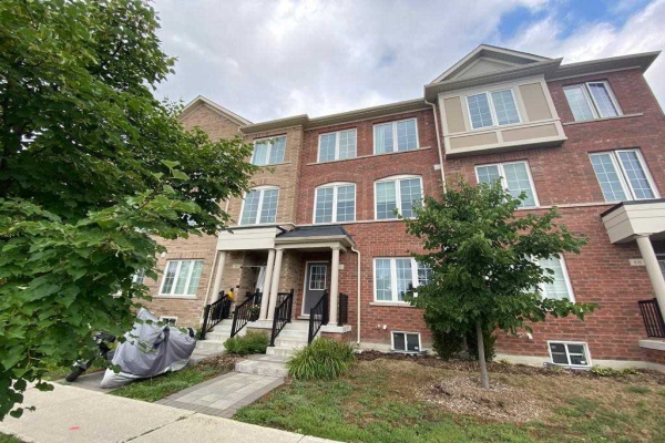72 Lady Dolores Ave, Vaughan