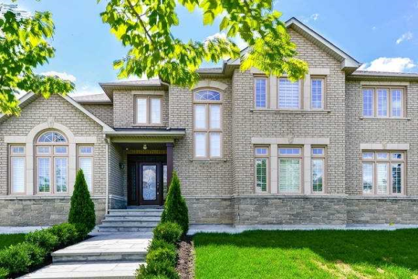 102 Gladstone Ave, Vaughan