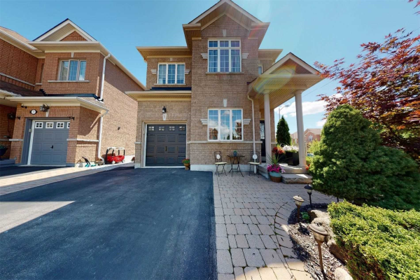 1 Canyon Gate Cres, Vaughan