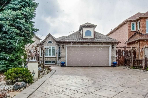 56 Cresswell Ave, Vaughan