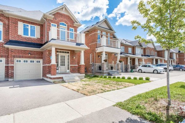 93 Windrow St, Richmond Hill