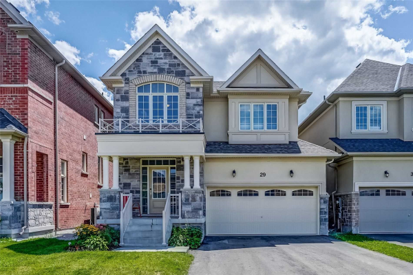 29 Frederick Pearson St, East Gwillimbury