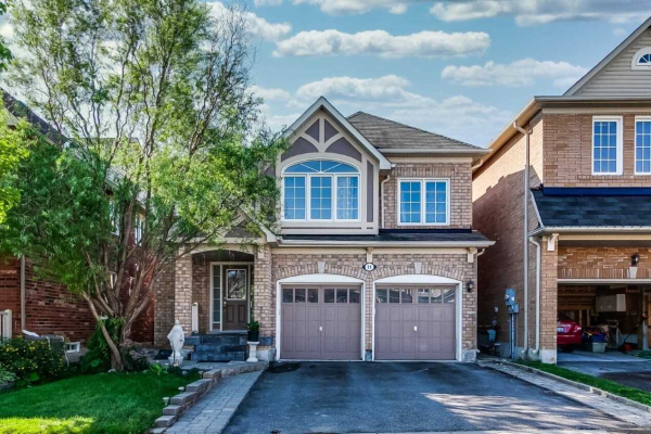 11 Walter Sangster Rd, Whitchurch-Stouffville