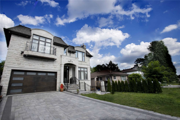 155 Ruggles Ave, Richmond Hill