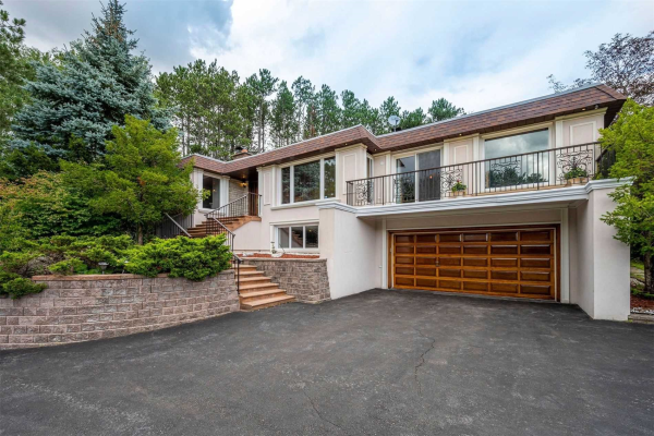 355 Woodland Acres Cres, Vaughan