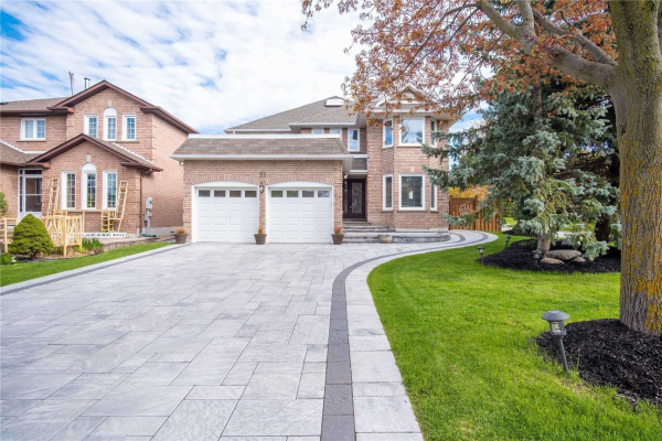 35 Kevi Cres, Richmond Hill