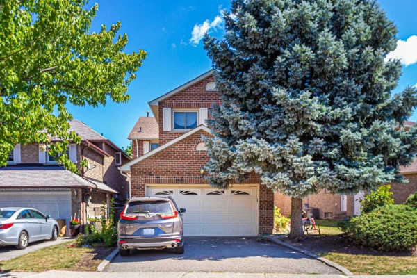 28 Esther Cres, Vaughan