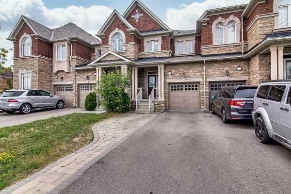 75 Spruce Pine Cres, Vaughan