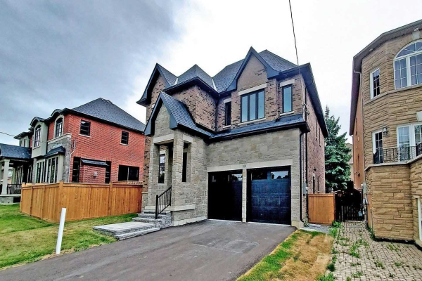 100 Bond Cres, Richmond Hill