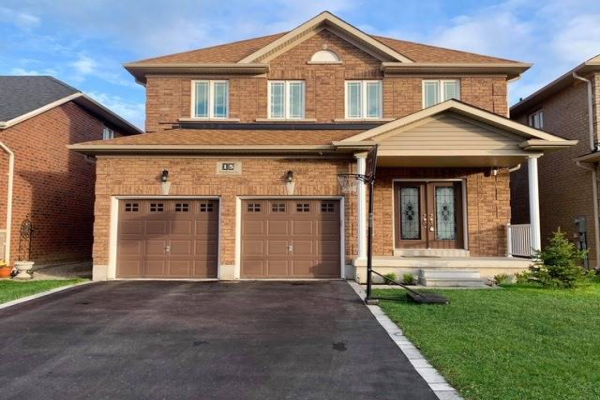 15 Hopkins Cres, Bradford West Gwillimbury