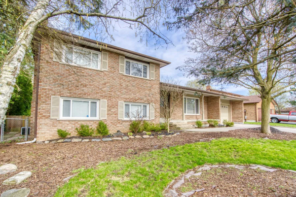 3 Rosegarden Cres, Richmond Hill