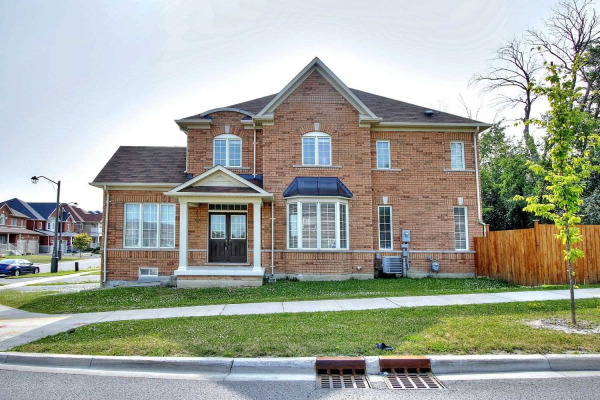 71 Magdalan Cres, Richmond Hill