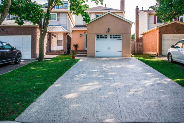 4 Raleigh Cres, Markham