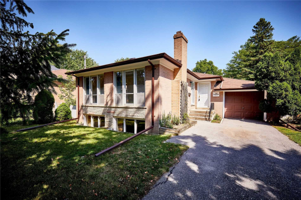 169 Sussex Ave, Richmond Hill