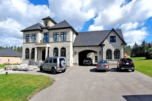 3 Vanvalley Dr, Whitchurch-Stouffville