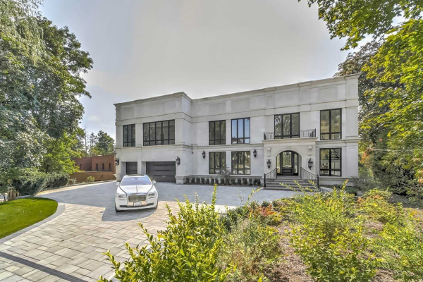 42 Riverside Blvd, Vaughan