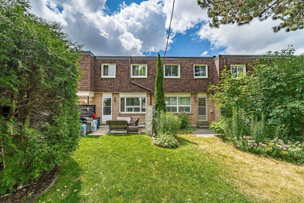 9 The Carriage Way, Markham