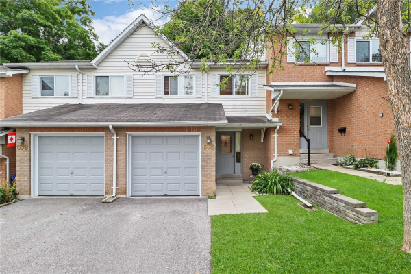 676 Gibney Cres, Newmarket