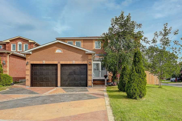 57 Yorkland St, Richmond Hill