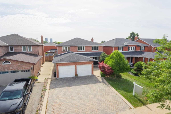 5 Firefly Cres, Vaughan