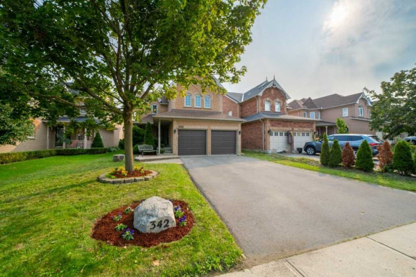 342 Clearmeadow Blvd, Newmarket