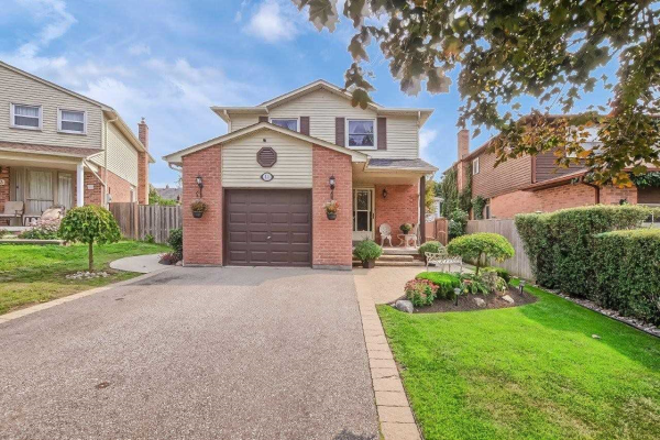 11 Spring St, Whitchurch-Stouffville