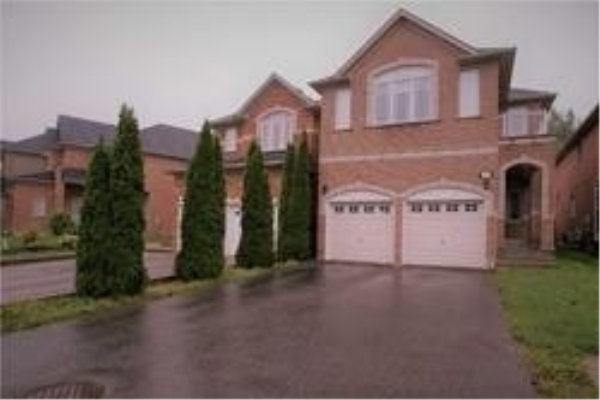 140 Estate Garden Dr, Richmond Hill