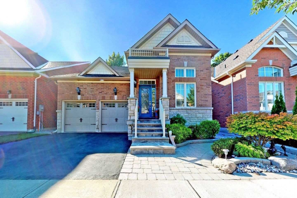 249 Sandale Rd, Whitchurch-Stouffville