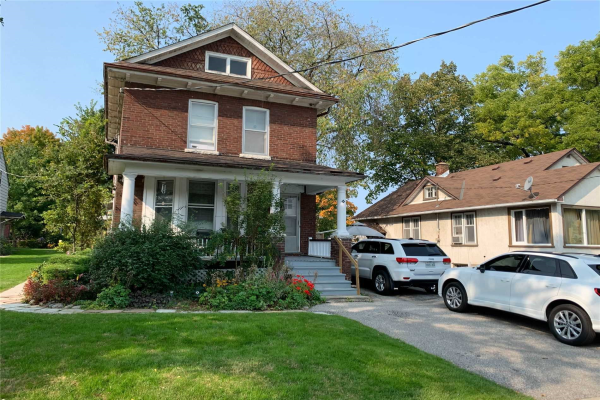 36 Bolton Ave, Newmarket