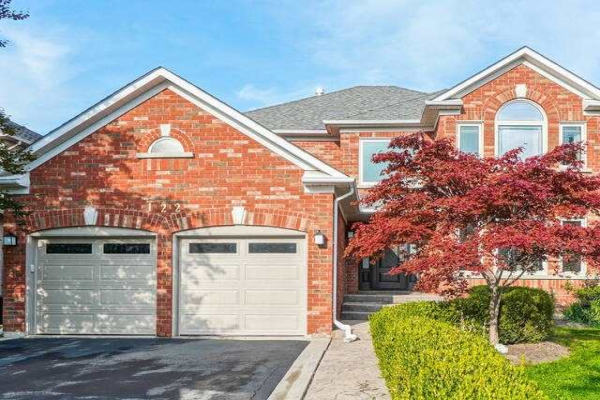 122 Gidleigh Park Cres, Vaughan