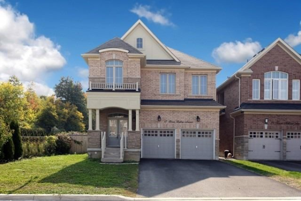 17 Heron Hollow Ave, Richmond Hill