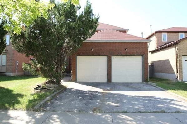 26 Featherstone Ave