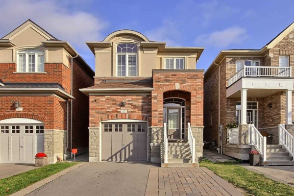61 Robert Green Cres, Vaughan