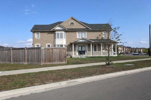 79 Napanee St, Richmond Hill