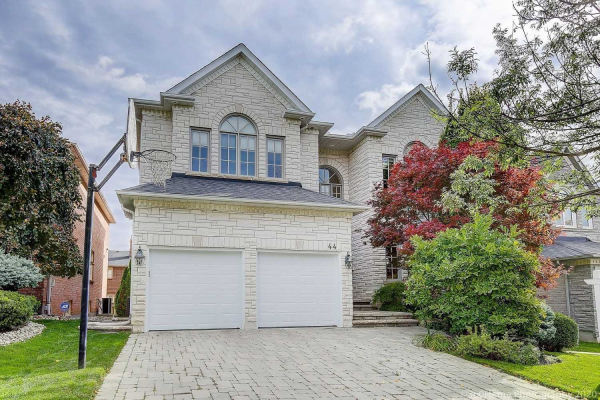 44 Green Acres Rd, Vaughan