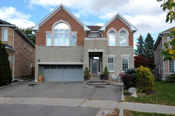 26 Aladdin Cres, Richmond Hill