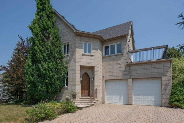 89 Concord Rd, Vaughan