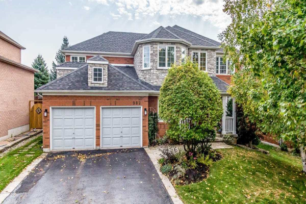 982 Northern Prospect Cres, Newmarket