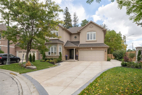 61 Woodland Trail Crt, Vaughan