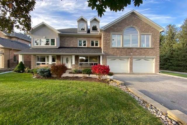 42 Bond Cres, Richmond Hill
