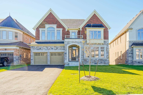 30 Brown Crt, Newmarket