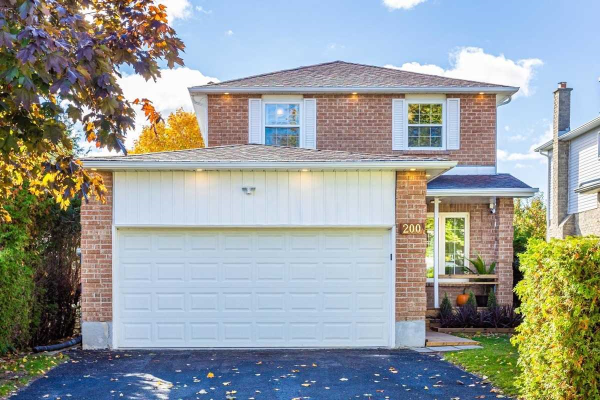 200 Billings Cres, Newmarket