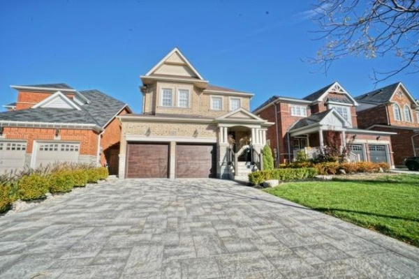 8 Huron Lane, Bradford West Gwillimbury