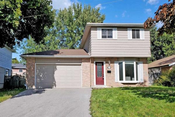 743 Greenfield Cres, Newmarket