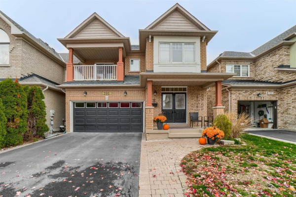201 West Lawn Cres, Whitchurch-Stouffville