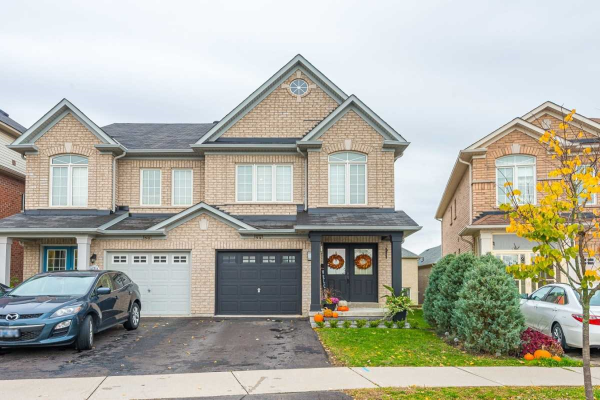 34 Four Seasons Cres, East Gwillimbury