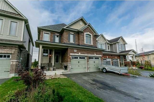 64 Cauthers Cres, New Tecumseth