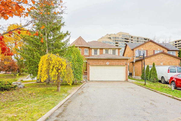 2 Pagehurst Crt, Richmond Hill