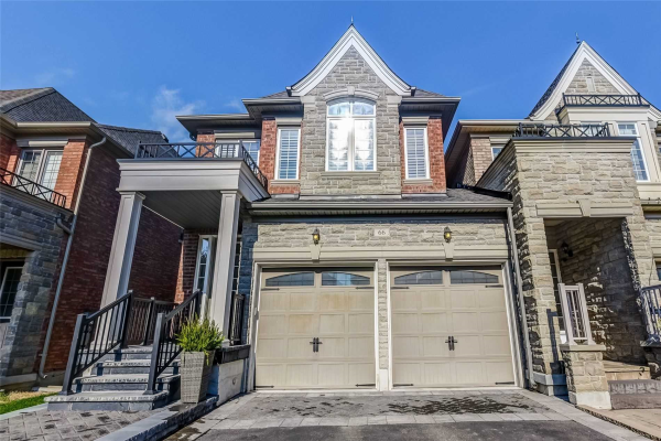66 Alex Campbell Cres W, King